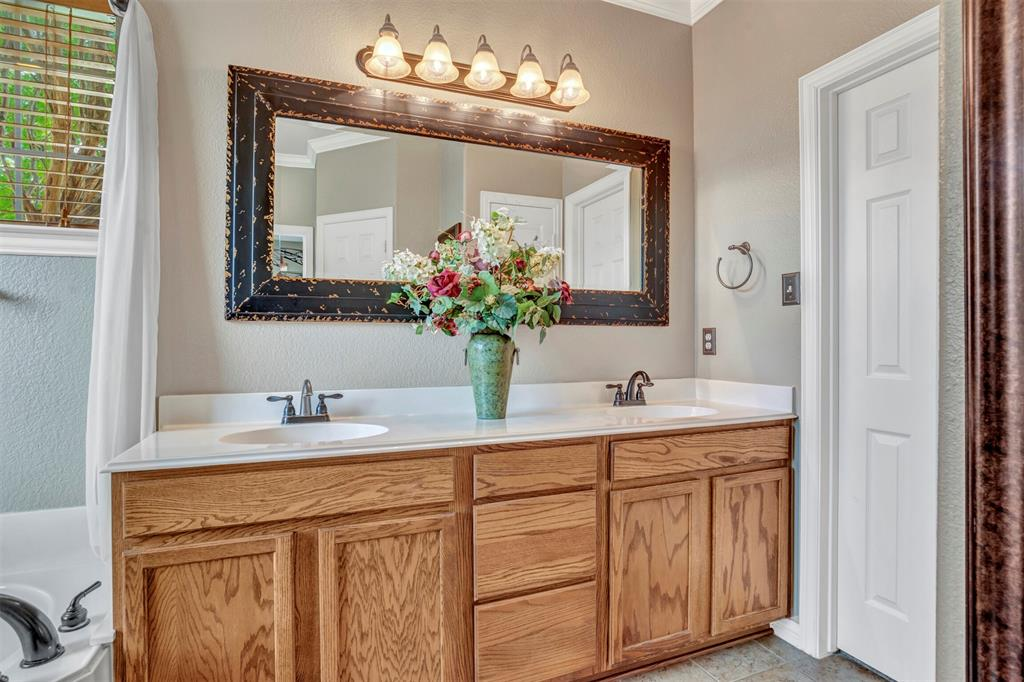 1601 Bryce Canyon  Lane, Allen, Texas 75002 - acquisto real estate best real estate company to work for