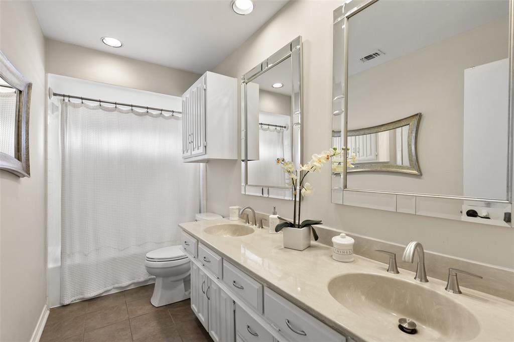 6304 Telluride  Lane, Dallas, Texas 75252 - acquisto real estate best realtor foreclosure real estate mike shepeherd walnut grove realtor