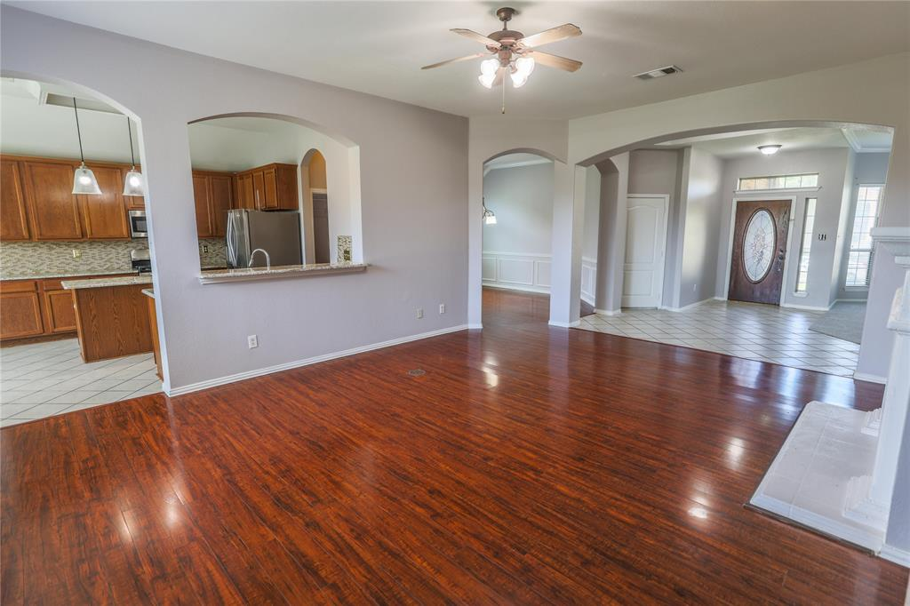 8104 Toltec  Court, Arlington, Texas 76002 - acquisto real estate best real estate company in frisco texas real estate showings