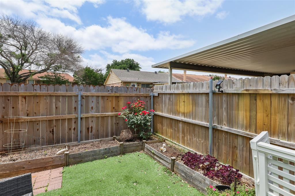 25 Mountain Creek  Court, Grand Prairie, Texas 75052 - acquisto real estate best realtor foreclosure real estate mike shepeherd walnut grove realtor