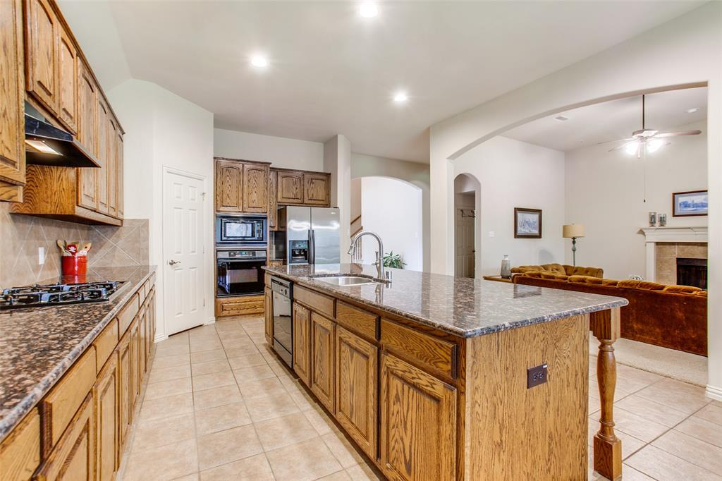 325 Greenfield  Drive, Murphy, Texas 75094 - acquisto real estate best real estate company to work for
