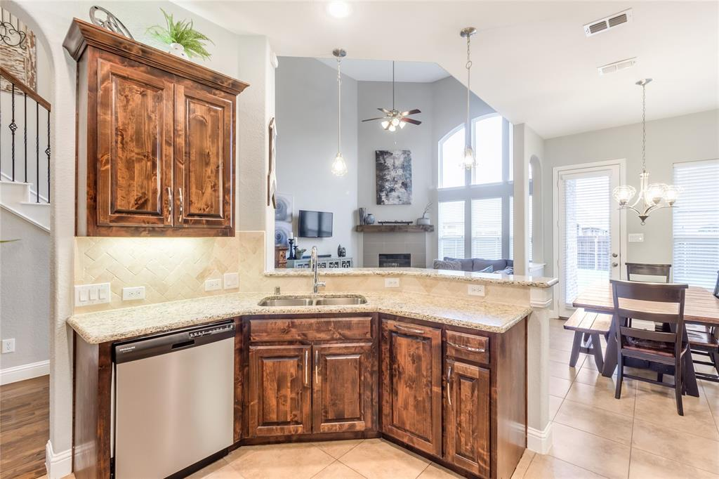 2425 Kingsgate  Drive, Little Elm, Texas 75068 - acquisto real estate best listing listing agent in texas shana acquisto rich person realtor