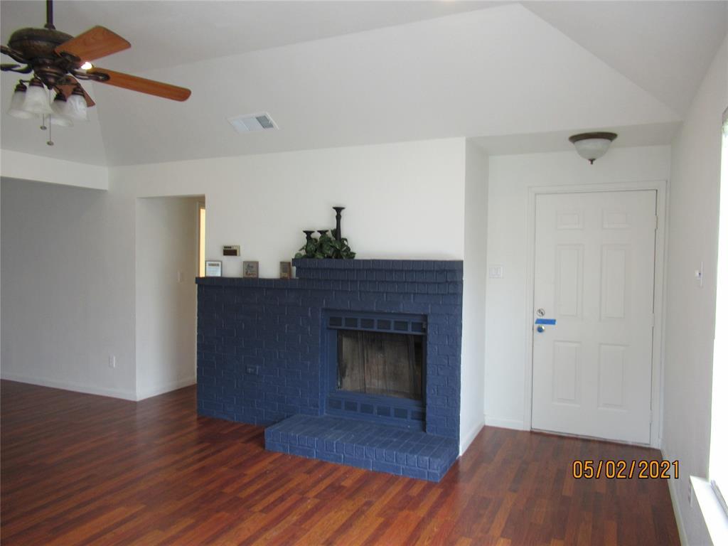 917 Old Barn  Lane, Mesquite, Texas 75149 - acquisto real estate best the colony realtor linda miller the bridges real estate
