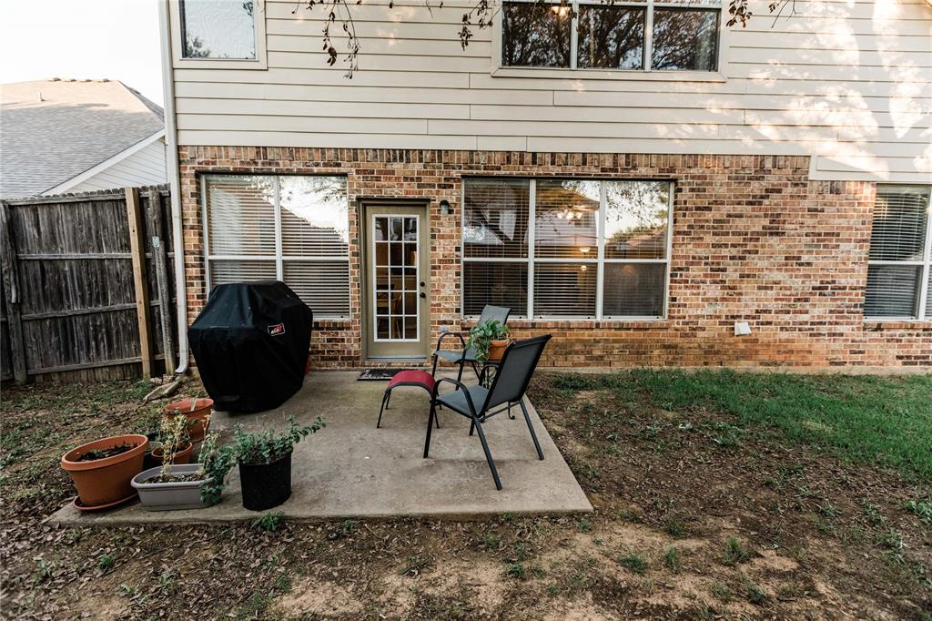1203 Wentwood  Drive, Corinth, Texas 76210 - acquisto real estate best real estate idx dilusso marketing mike acquisto