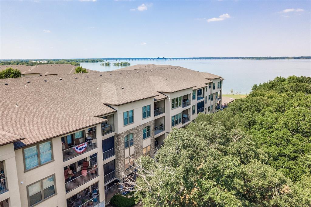 500 Waters Edge  Drive, Lake Dallas, Texas 75065 - acquisto real estate best realtor foreclosure real estate mike shepeherd walnut grove realtor