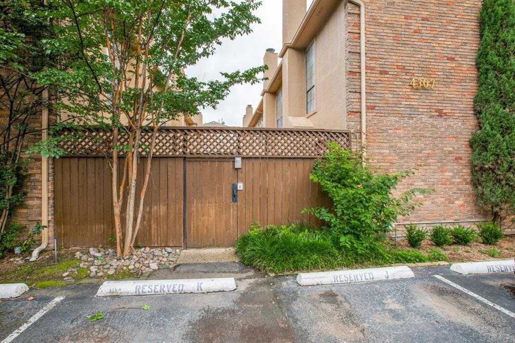 4307 Gilbert  Avenue, Dallas, Texas 75219 - acquisto real estate best realtor dfw jody daley liberty high school realtor