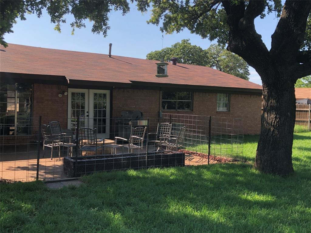 2916 6th  Street, Mineral Wells, Texas 76067 - acquisto real estate best park cities realtor kim miller best staging agent