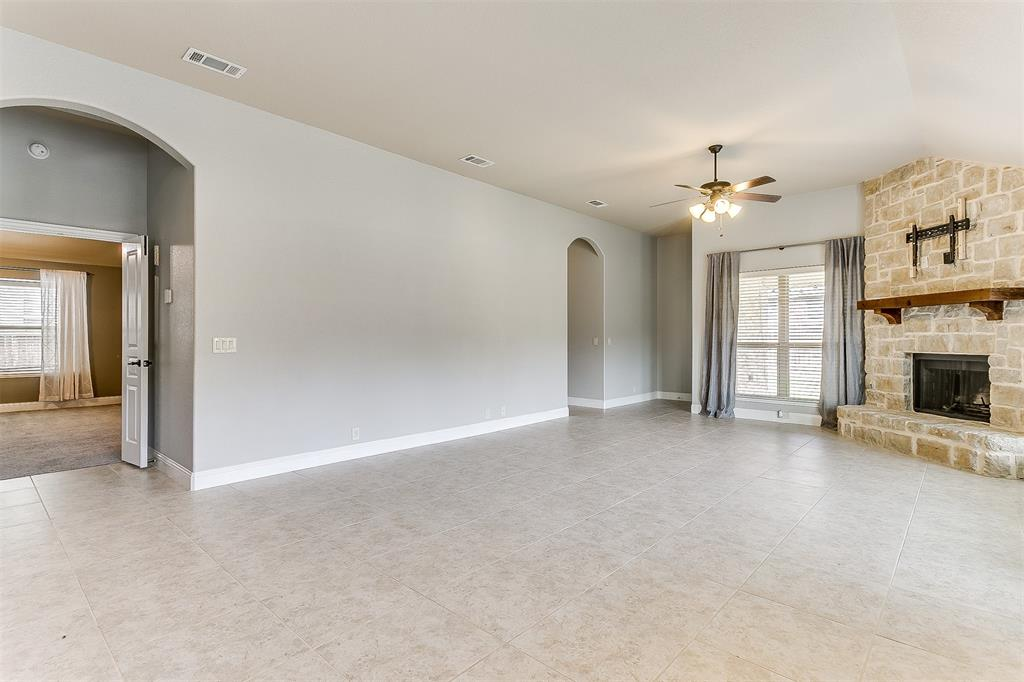 1000 Tarragon  Drive, Burleson, Texas 76028 - acquisto real estate best designer and realtor hannah ewing kind realtor