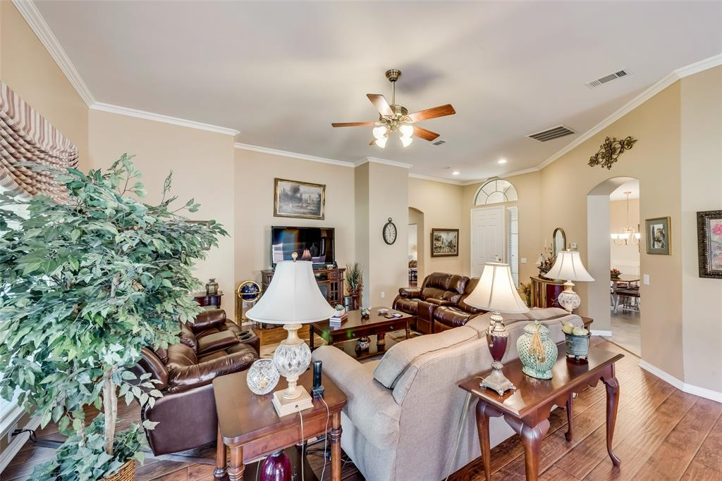 8917 Crestview  Drive, Denton, Texas 76207 - acquisto real estate best real estate company in frisco texas real estate showings