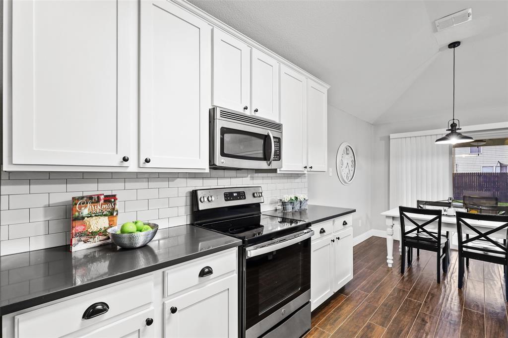 1432 Castlegar  Lane, Fort Worth, Texas 76247 - acquisto real estate best listing agent in the nation shana acquisto estate realtor