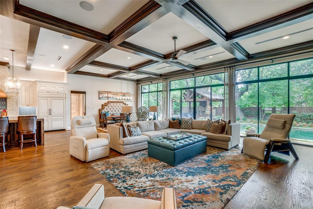 11232 Russwood  Circle, Dallas, Texas 75229 - acquisto real estate best realtor foreclosure real estate mike shepeherd walnut grove realtor