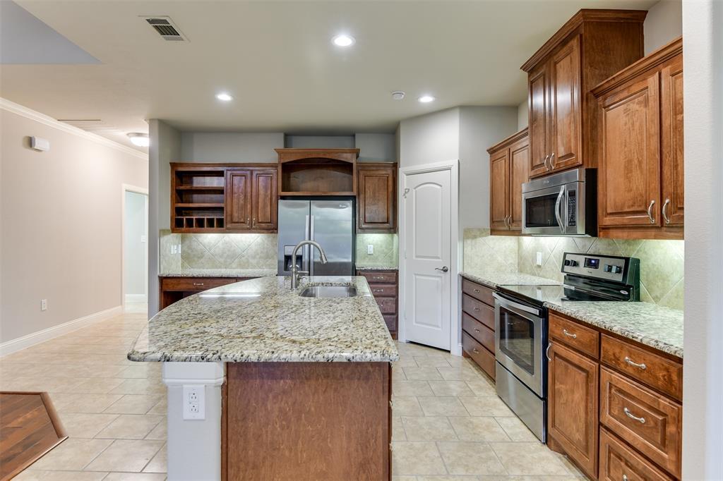 104 Terra Verde  Court, Waxahachie, Texas 75165 - acquisto real estate best new home sales realtor linda miller executor real estate