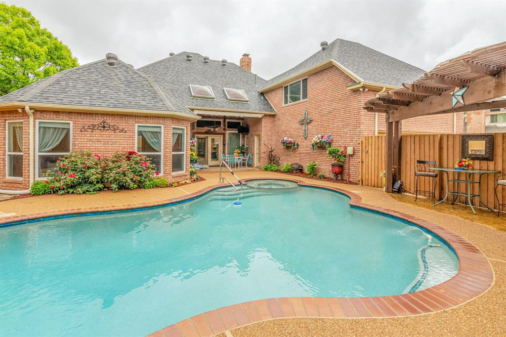 1422 Sweetgum  Circle, Keller, Texas 76248 - acquisto real estate mvp award real estate logan lawrence
