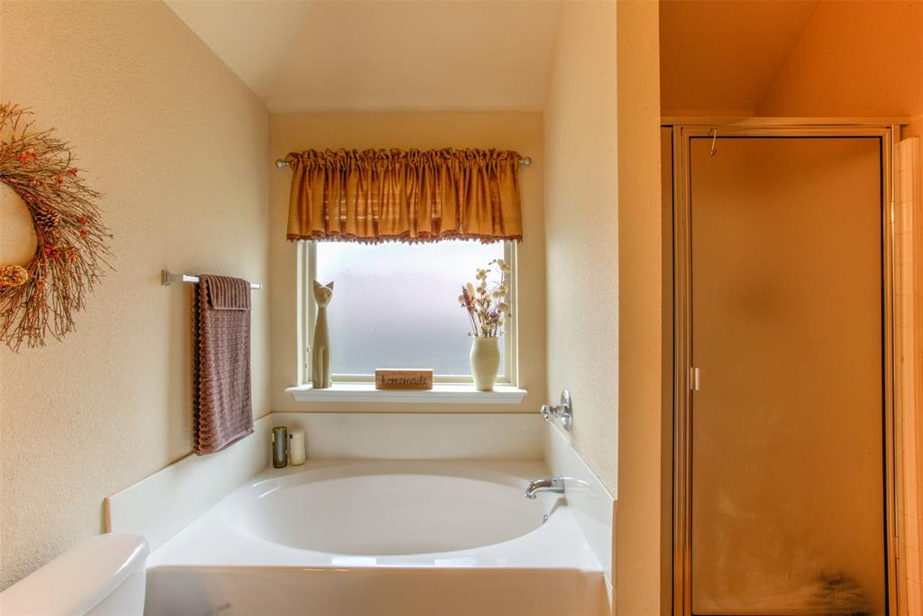 509 Kriston  Drive, Azle, Texas 76020 - acquisto real estate best frisco real estate agent amy gasperini panther creek realtor