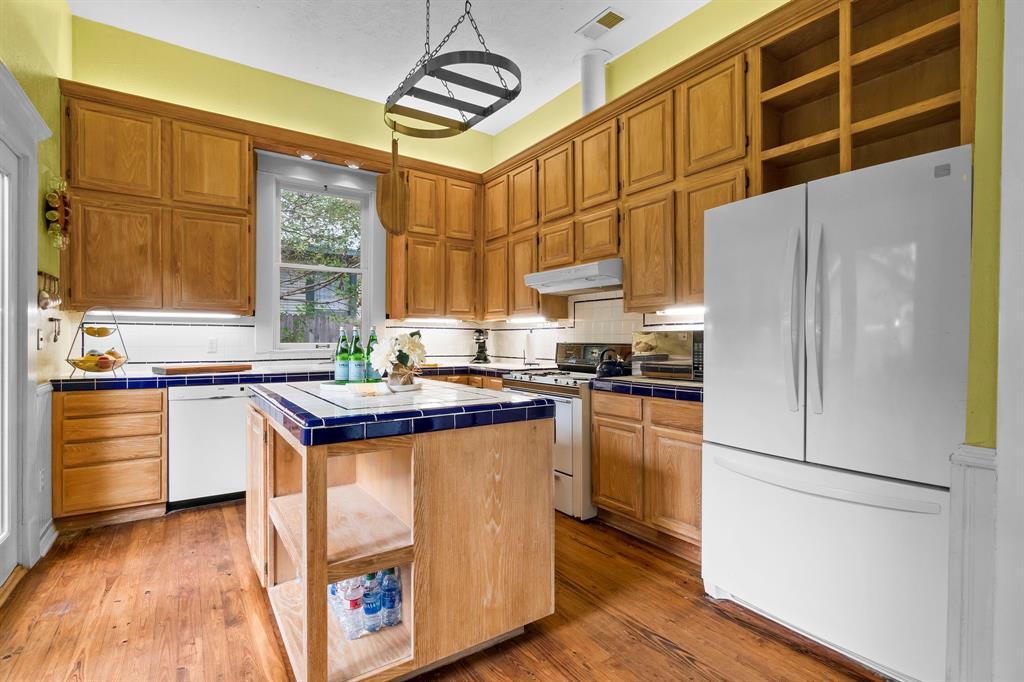 5511 Victor  Street, Dallas, Texas 75214 - acquisto real estate best new home sales realtor linda miller executor real estate