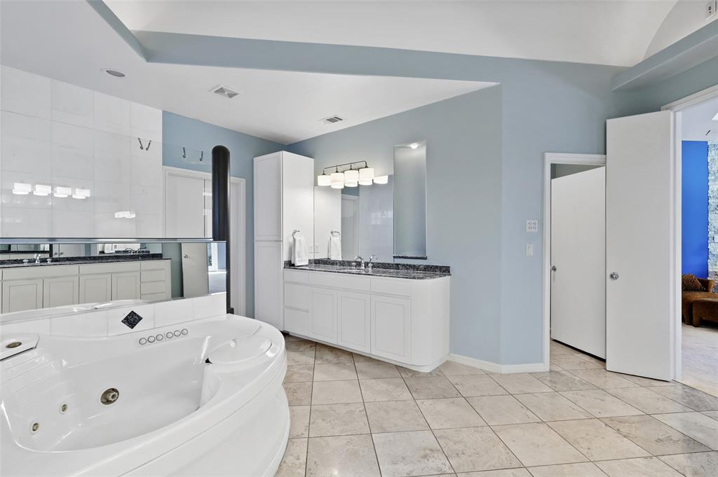 2224 Lakeridge  Drive, Grapevine, Texas 76051 - acquisto real estaet best boutique real estate firm in texas for high net worth sellers