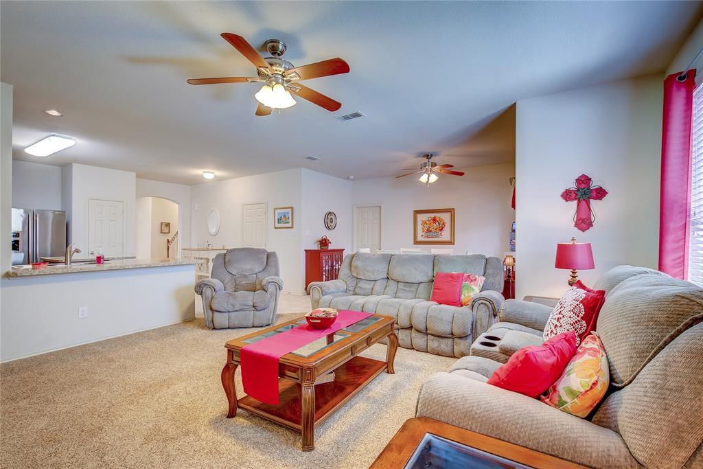 2116 Long Forest  Road, Heartland, Texas 75126 - acquisto real estate best prosper realtor susan cancemi windfarms realtor