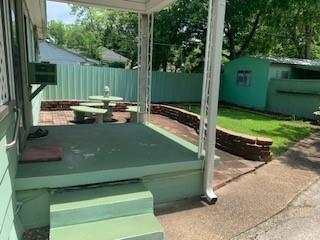 2210 Roanoke  Avenue, Dallas, Texas 75235 - acquisto real estate best allen realtor kim miller hunters creek expert