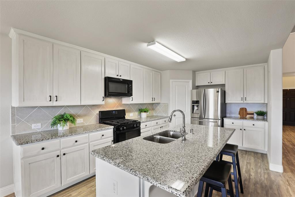 3012 Bella Lago  Drive, Fort Worth, Texas 76177 - acquisto real estate best celina realtor logan lawrence best dressed realtor