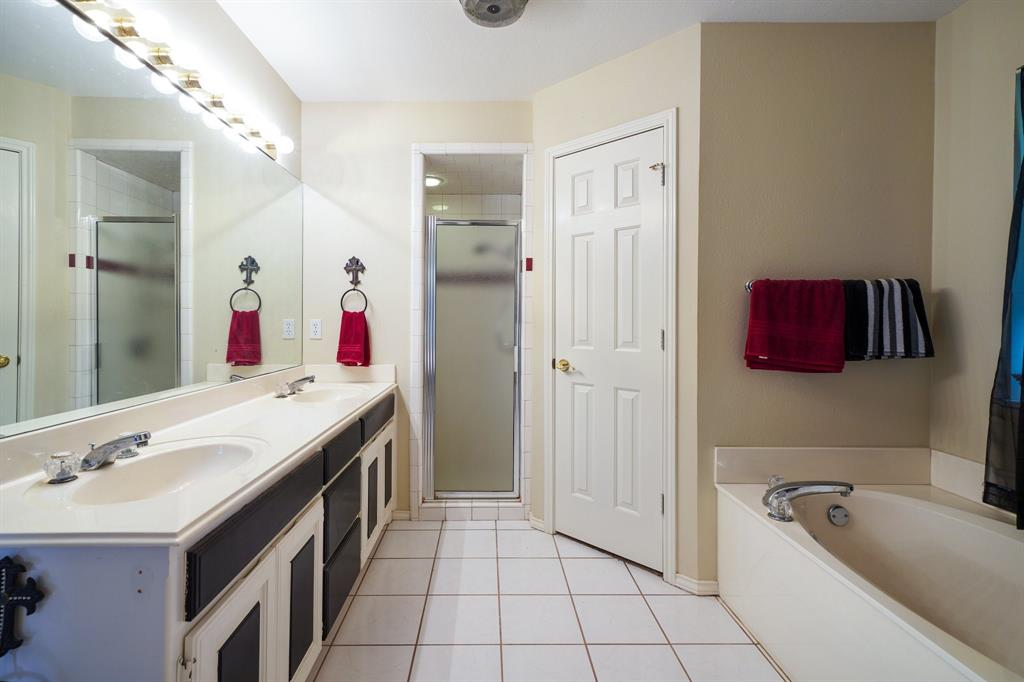 201 Chaparral  Drive, Granbury, Texas 76049 - acquisto real estate best investor home specialist mike shepherd relocation expert