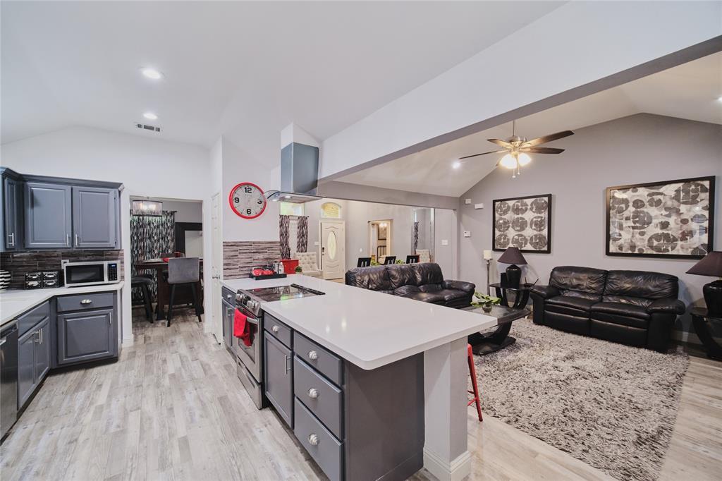 814 Springfield  Drive, Cedar Hill, Texas 75104 - acquisto real estate best allen realtor kim miller hunters creek expert