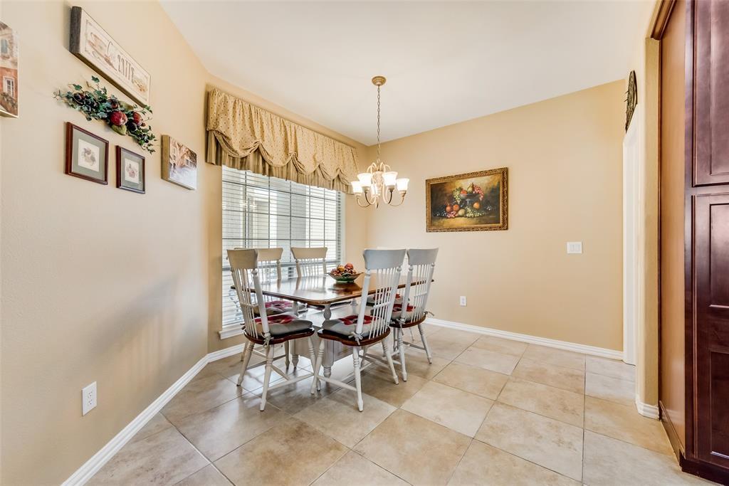8917 Crestview  Drive, Denton, Texas 76207 - acquisto real estate best new home sales realtor linda miller executor real estate