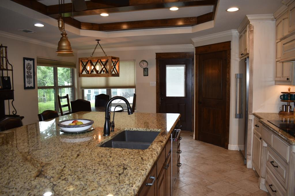 137 Kinbrook  Lane, Weatherford, Texas 76087 - acquisto real estate best real estate company to work for