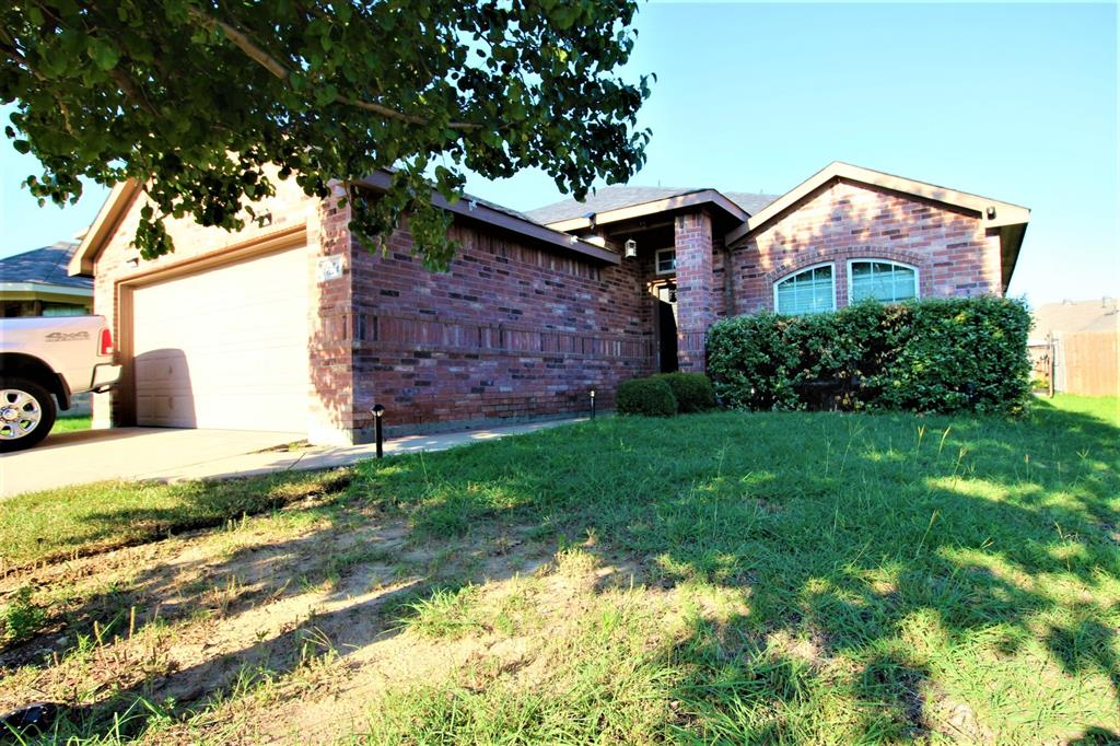 1614 Hillside  Drive, Waxahachie, Texas 75165 - Acquisto Real Estate best plano realtor mike Shepherd home owners association expert