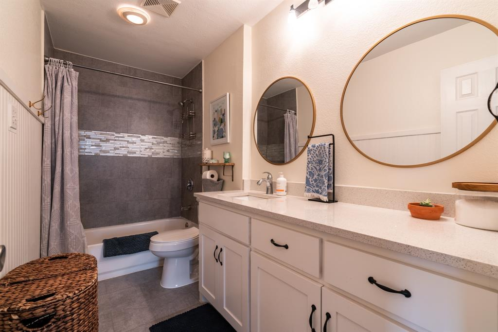 3720 Grasmere  Drive, Carrollton, Texas 75007 - acquisto real estate best photos for luxury listings amy gasperini quick sale real estate