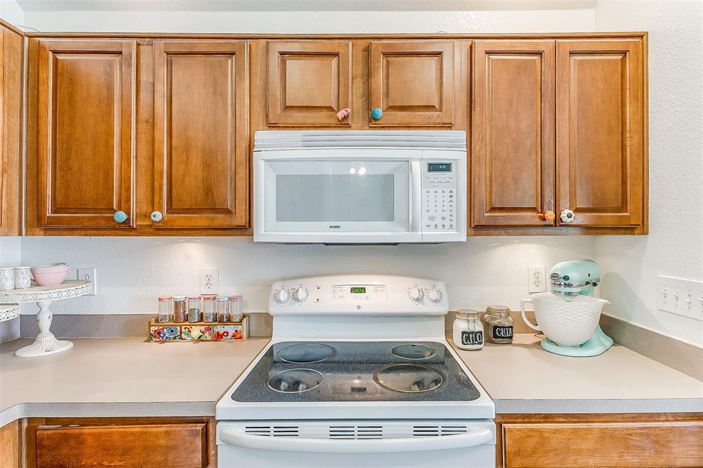 203 Seminole  Trail, Alvarado, Texas 76009 - acquisto real estate best realtor foreclosure real estate mike shepeherd walnut grove realtor