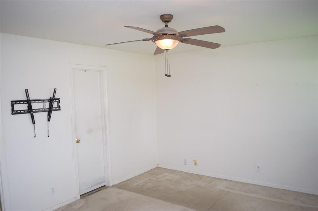5917 Sycamore Creek  Road, Edgecliff Village, Texas 76134 - acquisto real estate best realtor dfw jody daley liberty high school realtor