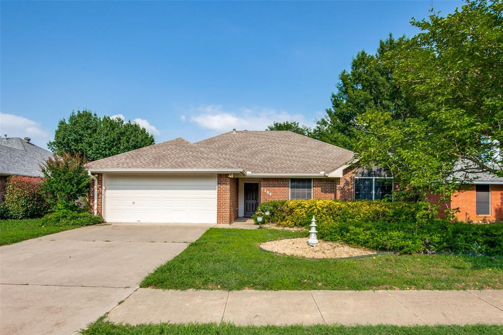 1204 Oak  Valley, Denton, Texas 76209 - Acquisto Real Estate best plano realtor mike Shepherd home owners association expert