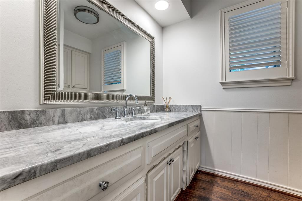 4240 Glenaire  Drive, Dallas, Texas 75229 - acquisto real estate best negotiating realtor linda miller declutter realtor