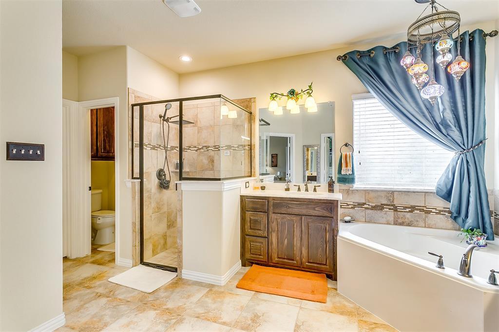 1172 Sapphire  Lane, Burleson, Texas 76058 - acquisto real estate best negotiating realtor linda miller declutter realtor