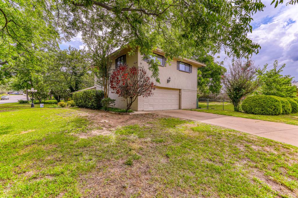 807 Hilltop  Drive, Weatherford, Texas 76086 - acquisto real estate best the colony realtor linda miller the bridges real estate
