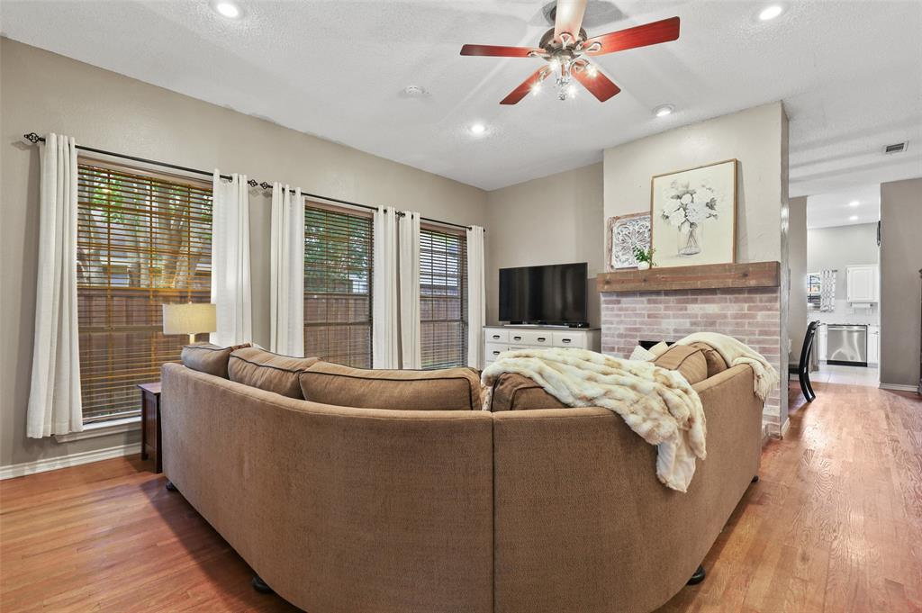 8105 Bells  Street, Frisco, Texas 75035 - acquisto real estate best investor home specialist mike shepherd relocation expert
