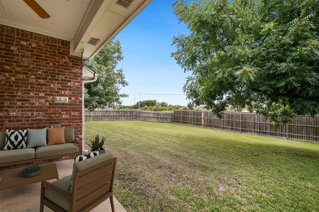 1018 Cook  Drive, Grand Prairie, Texas 75050 - acquisto real estate best frisco real estate agent amy gasperini panther creek realtor