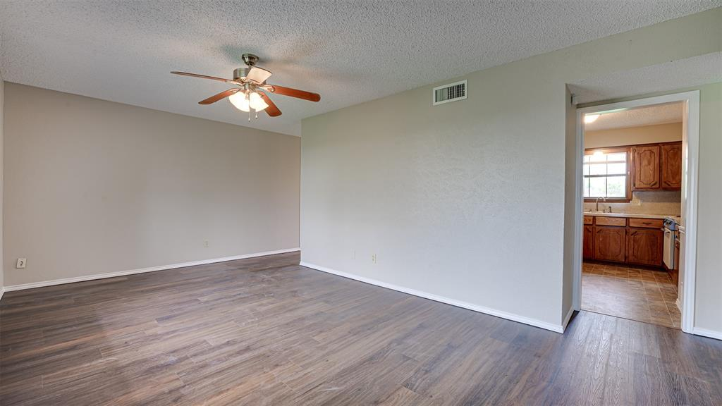 329 Hyles  Street, Italy, Texas 76651 - acquisto real estate best the colony realtor linda miller the bridges real estate