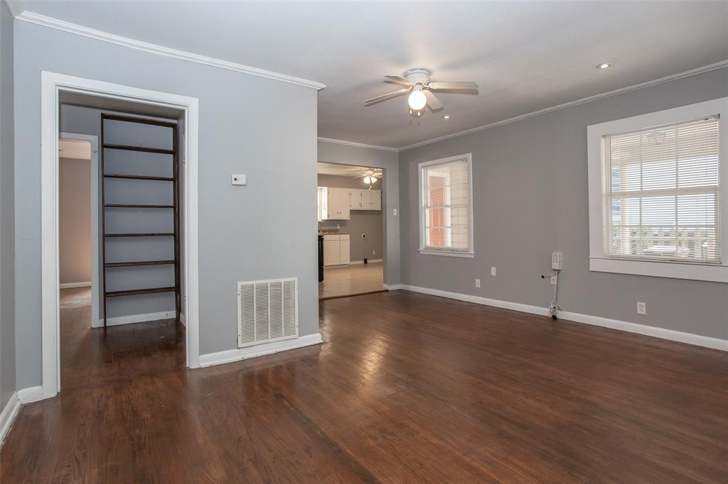 3613 Washburn  Avenue, Fort Worth, Texas 76107 - acquisto real estate best highland park realtor amy gasperini fast real estate service