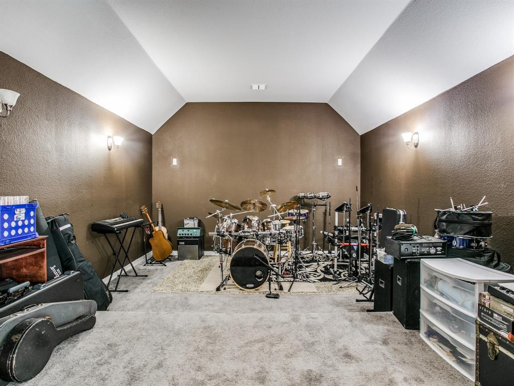 332 Prairie Ridge  Lane, Lewisville, Texas 75056 - acquisto real estate best realtor foreclosure real estate mike shepeherd walnut grove realtor