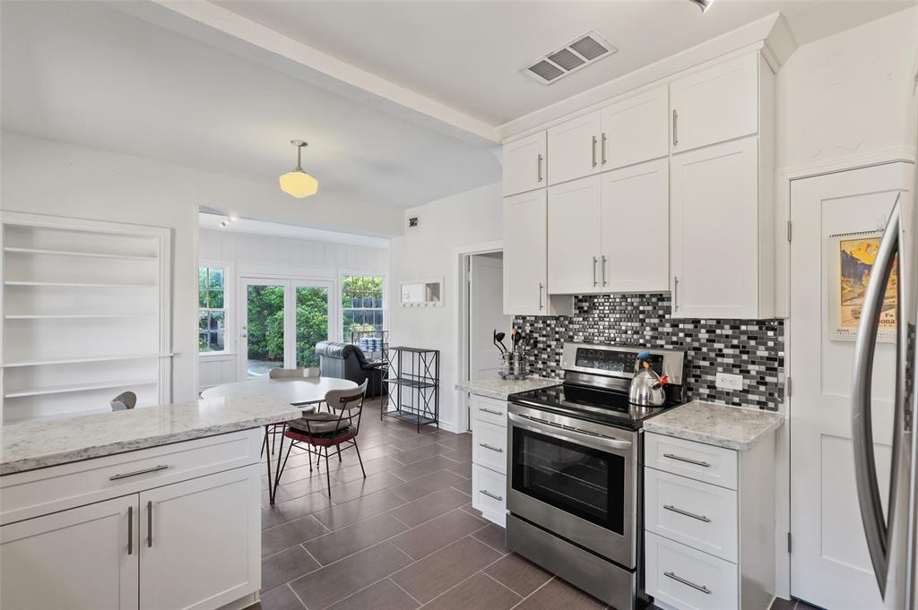 5935 Vanderbilt  Avenue, Dallas, Texas 75206 - acquisto real estate best new home sales realtor linda miller executor real estate