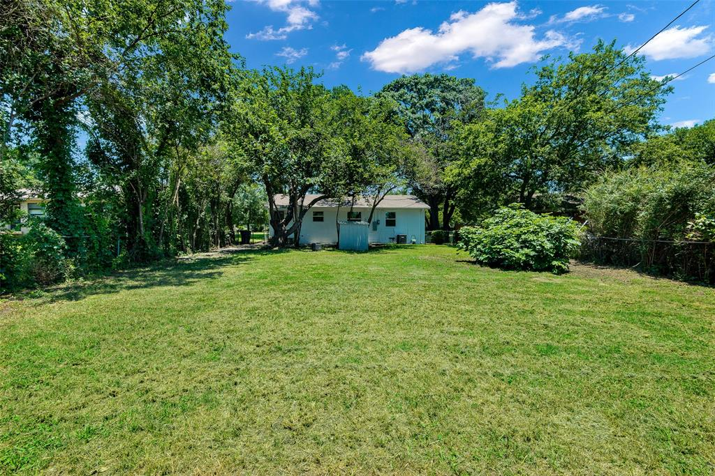 8815 Boundbrook  Circle, Dallas, Texas 75243 - acquisto real estate best realtor dallas texas linda miller agent for cultural buyers