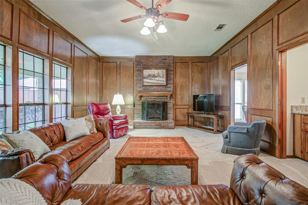 409 Brookfield  Drive, Garland, Texas 75040 - acquisto real estate best new home sales realtor linda miller executor real estate