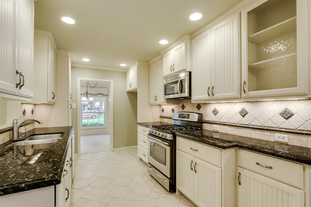 1234 Glen Cove  Drive, Richardson, Texas 75080 - acquisto real estate best new home sales realtor linda miller executor real estate