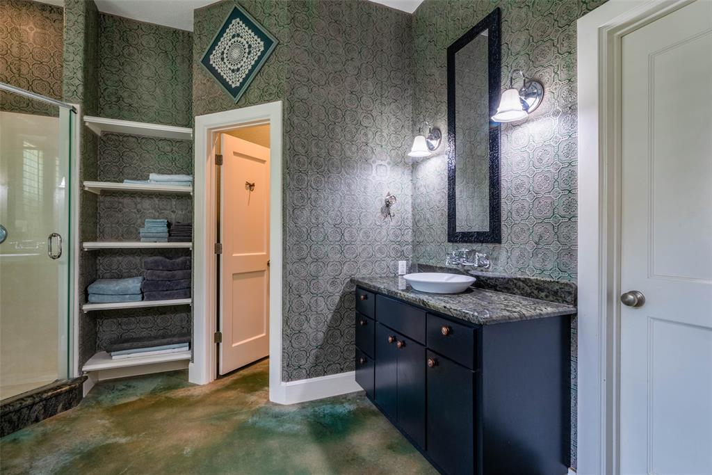 2340 Washington  Street, Sherman, Texas 75092 - acquisto real estate best realtor foreclosure real estate mike shepeherd walnut grove realtor