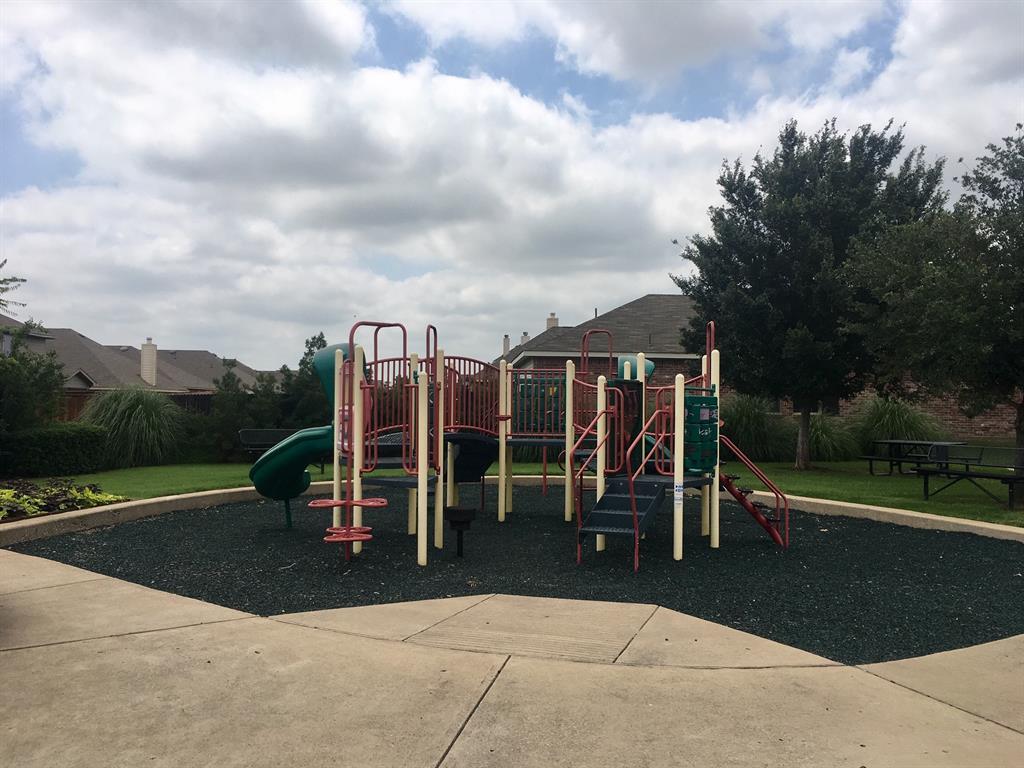 1432 Castlegar  Lane, Fort Worth, Texas 76247 - acquisto real estate best real estate follow up system katy mcgillen
