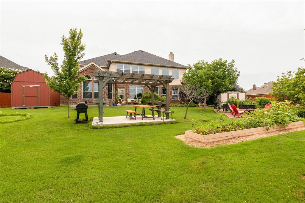 947 Yucca  Court, Burleson, Texas 76028 - acquisto real estate mvp award real estate logan lawrence