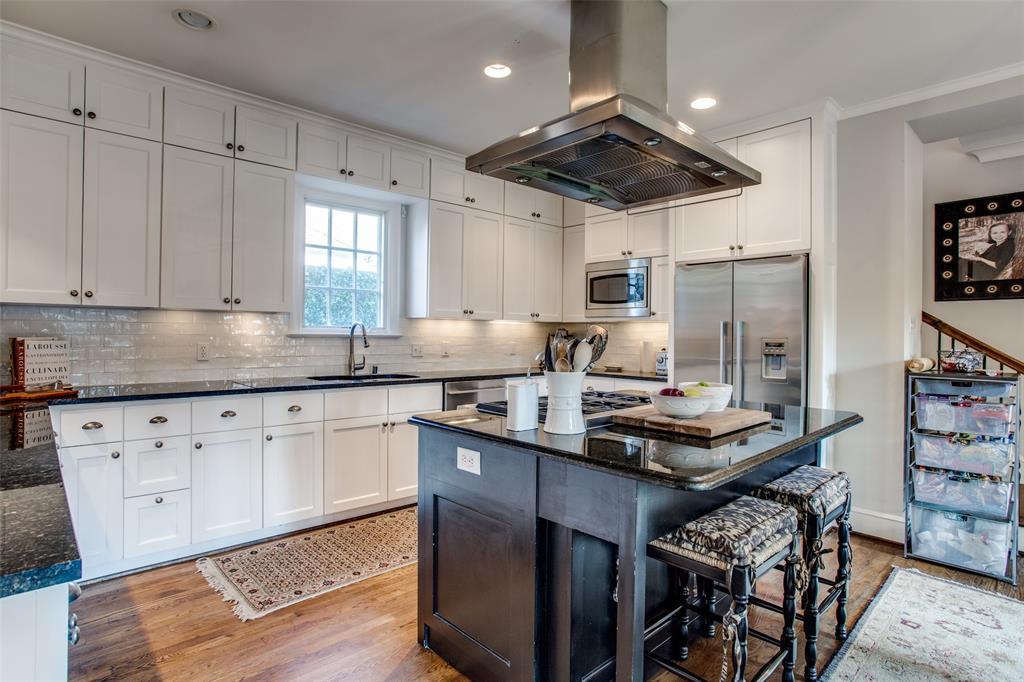 5746 Llano  Avenue, Dallas, Texas 75206 - acquisto real estate best highland park realtor amy gasperini fast real estate service