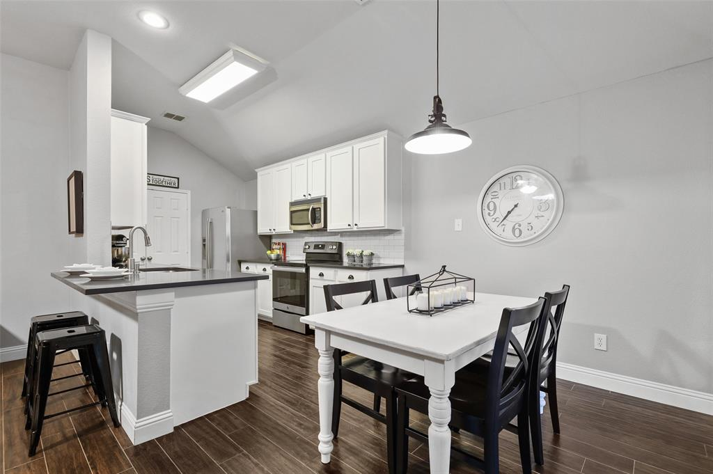 1432 Castlegar  Lane, Fort Worth, Texas 76247 - acquisto real estate best real estate company to work for