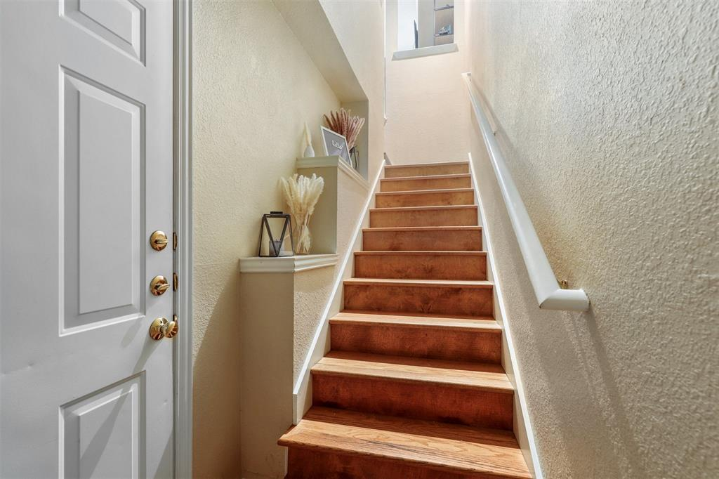 2902 State  Street, Dallas, Texas 75204 - acquisto real estate best realtor foreclosure real estate mike shepeherd walnut grove realtor